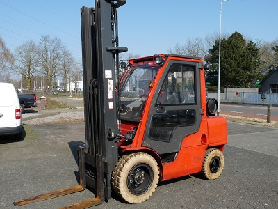 Nissan 3,5 ton LPG 2012